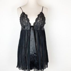 NWT VICTORIA'S SECRET LINGERIE YOP. SIZE SMALL